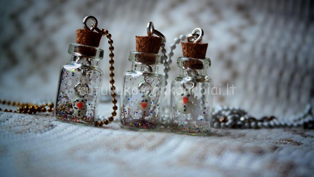 Mini sniego seniai buteliukuose